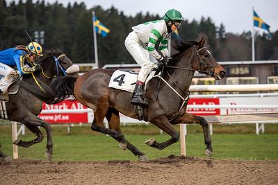 Ghallab vinner med Jessica Jankerup | Täby 151125 | Foto: Elina Björklund / Svensk Galopp