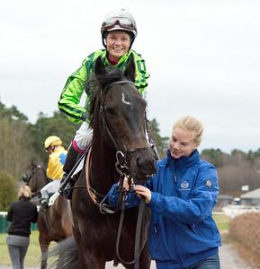 Fajry och Fanny Olsson | Täby 151206 | Foto: Elina Björklund / Svensk Galopp