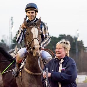 Mahany De Piboul tillsammans med Alessandro  Guerrini och Camilla Nilsson    Täby 151220   Foto: Elina Björklund / Svensk Galopp