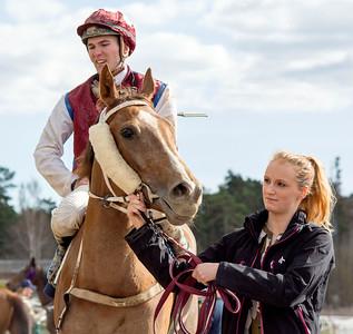 Pink Star och Oliver Wilson  | Täby Galopp 160413 | Foto: Elina Björklund / Svensk Galopp