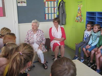 Mimi, 96 jaar, kwam over vroeger vertellen.