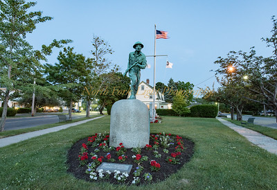 Bronze statue of WW I soldier in combat is the star of this small triangular park at the cross road of First and Main.