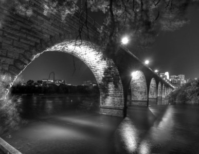 Stone Arch Bridge, Minneapolis, Minnesota.