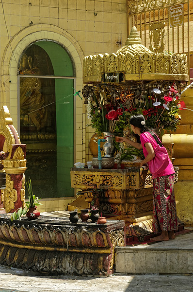 Floral offerings at Sule Pagoda