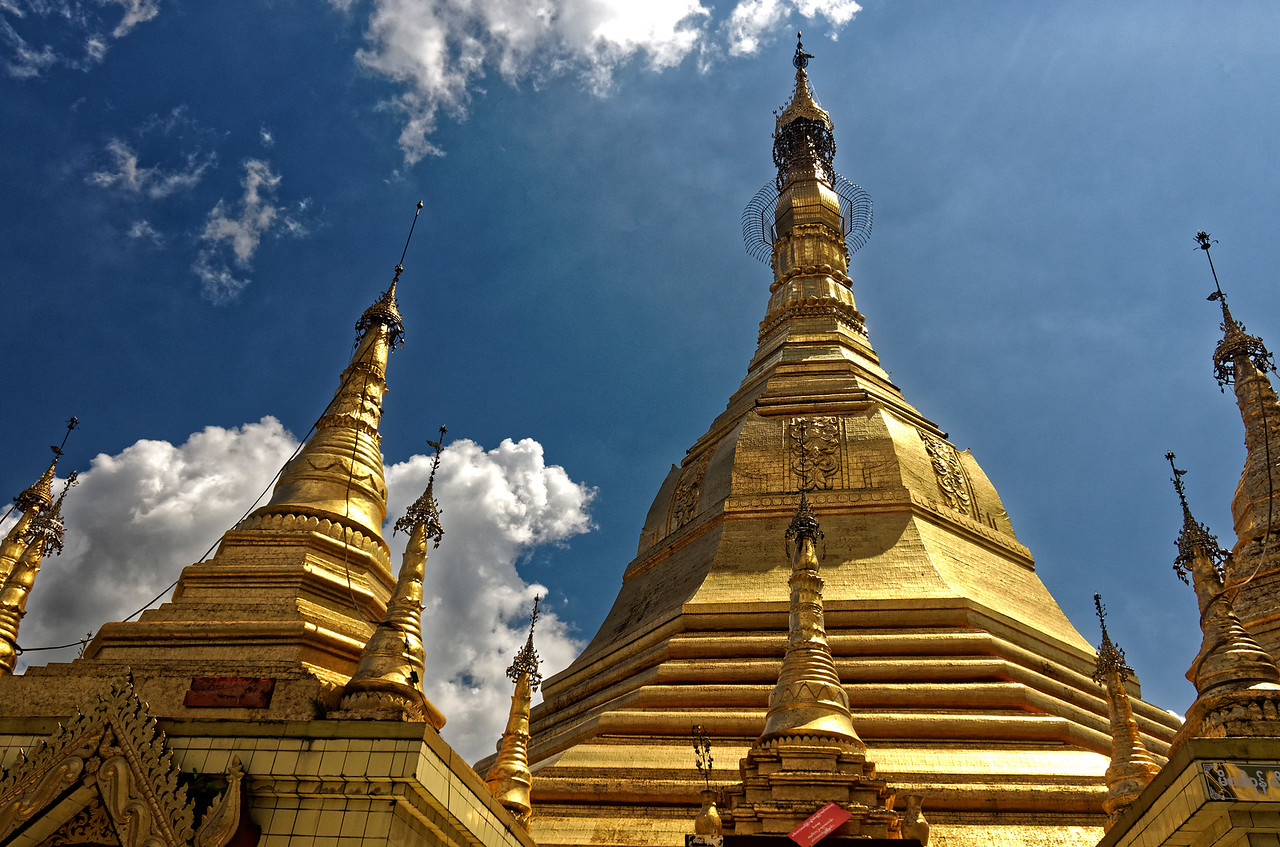 The main stupa and smaller stupas at Sule Pagoda