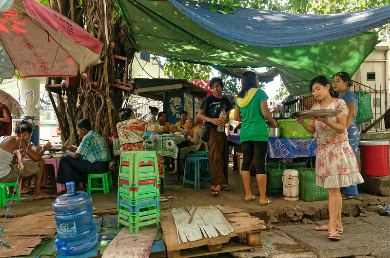 A streetside restaurant that could just as easily be in Thailand