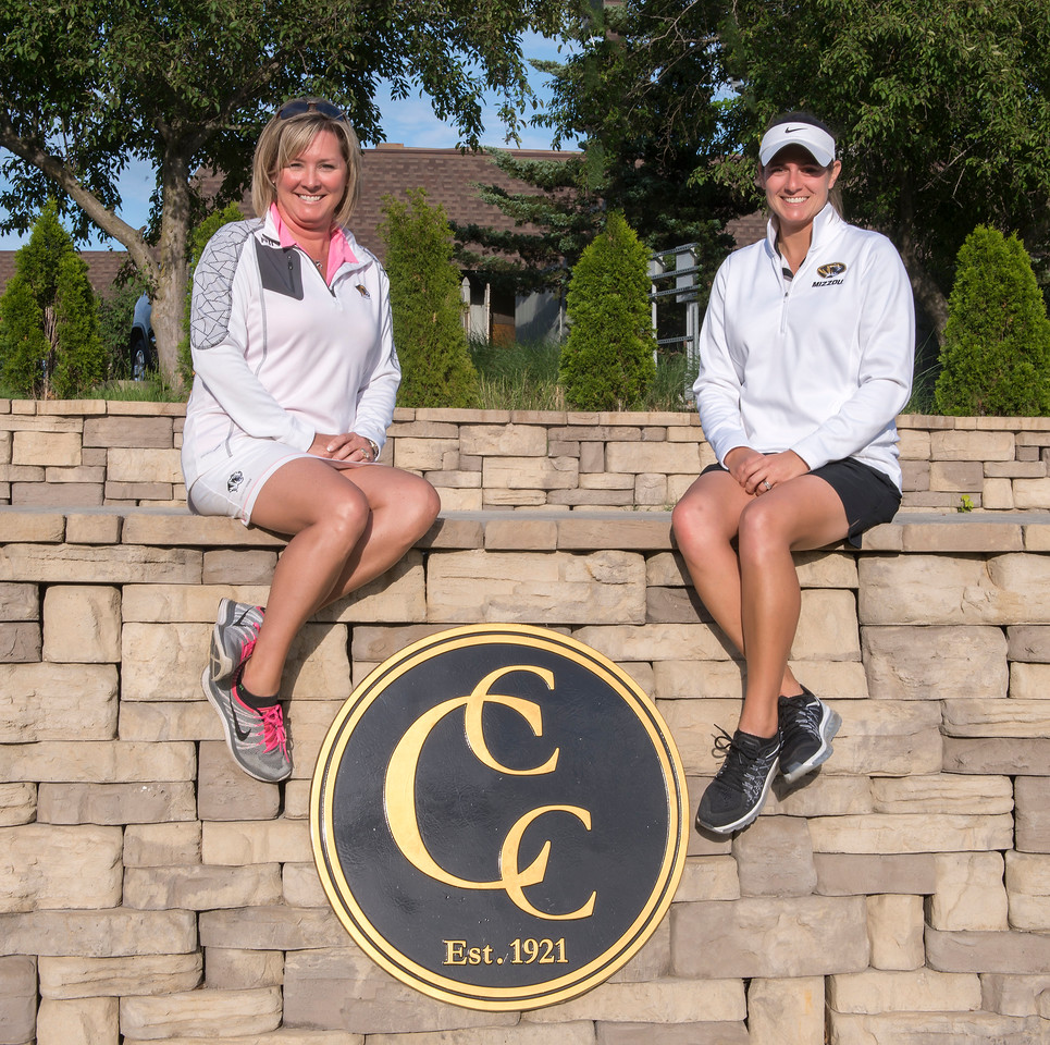 Christie Blasi and Mindy Coyle win the 17th Two Lady Scramble at Columbia Country Club!