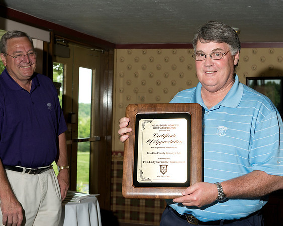 Vice President Karen Shippy presented Franklin County Country Club President, Mr. Steve Richardson,  with an appreciation award for their generosity in hosting the MWGA this week.