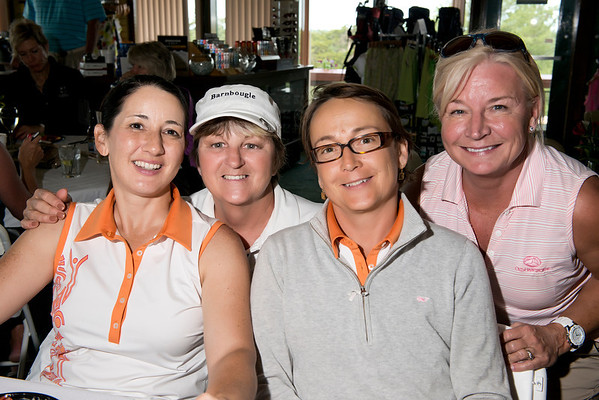 Meeting new friends at the Two Lady Scramble!