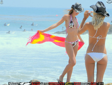 leo carillos surf's up beautiful swimsuit model 45surf 1568,4,4,4,