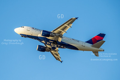 Delta A319 with Belly Logo