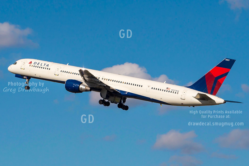 """Delta 757-300 N587NW """"Super Pipe"""""""