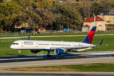 Delta 757-300 on a Fall Day