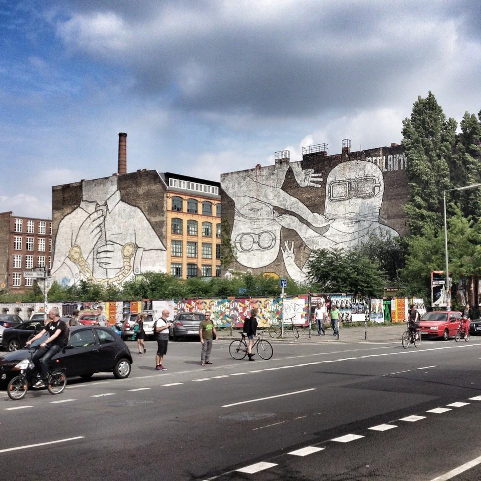 Graffiti vid Wrangelstrasse