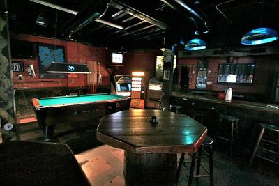 Freddys Dive Bar