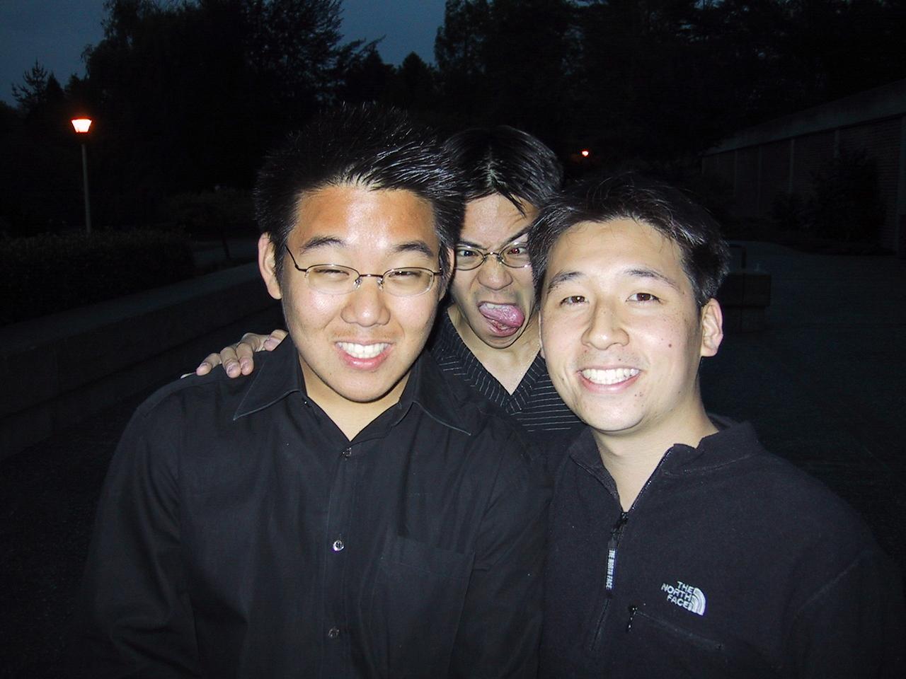 AiR Spring 2002 Sonoma St gig - Ben beautifies Kenji & Lenny