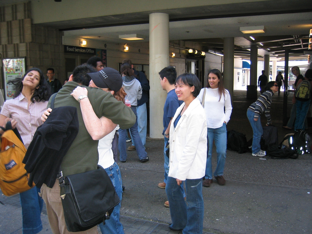 Monday Sproul 3-10-2003, Shaila hair toss, Kenji & Beth together again, AnnMarie