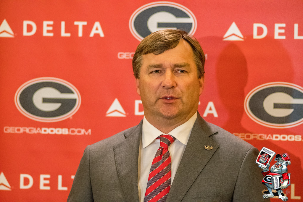 Kirby Smart speaks to fans in Columbus, Ga.