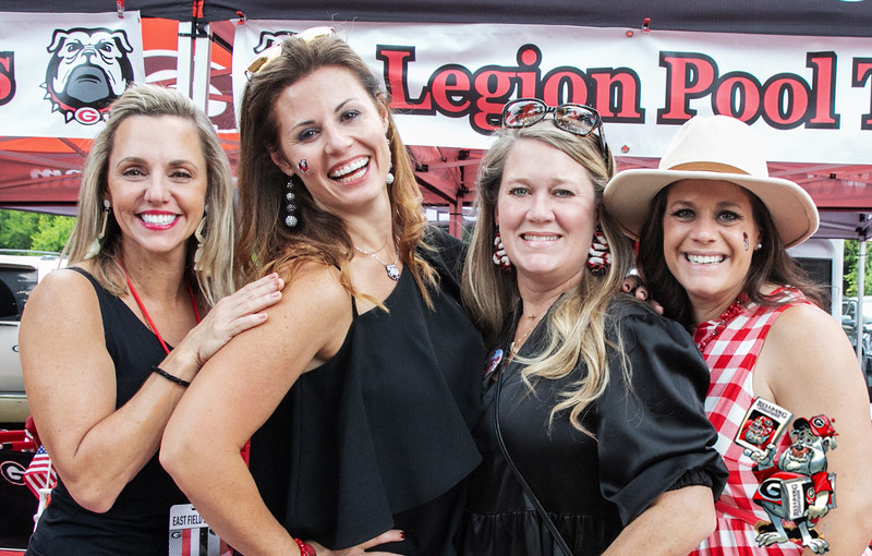 Carey Leierzapf, Dani Wright, Angie Sellers, Leah West