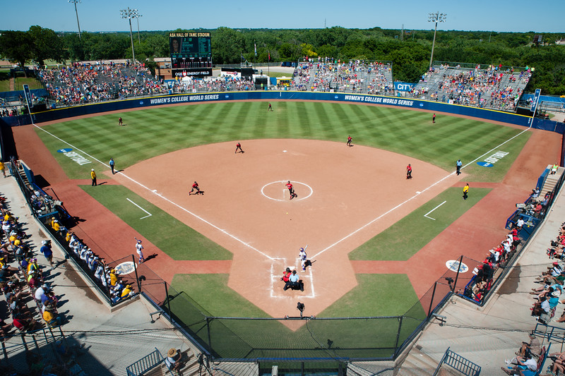 Georgia Softball at 2016 WCWS - ASA Hall of Fame Stadium, Oklahoma City