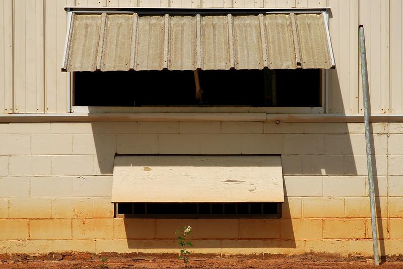 UGA sheep barn. Clarke County (GA) June 2008