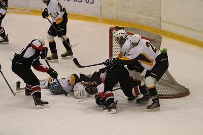 В первенстве Юниорской хоккейной лиги команда Трактор обыграла Астану со счетом 4:1