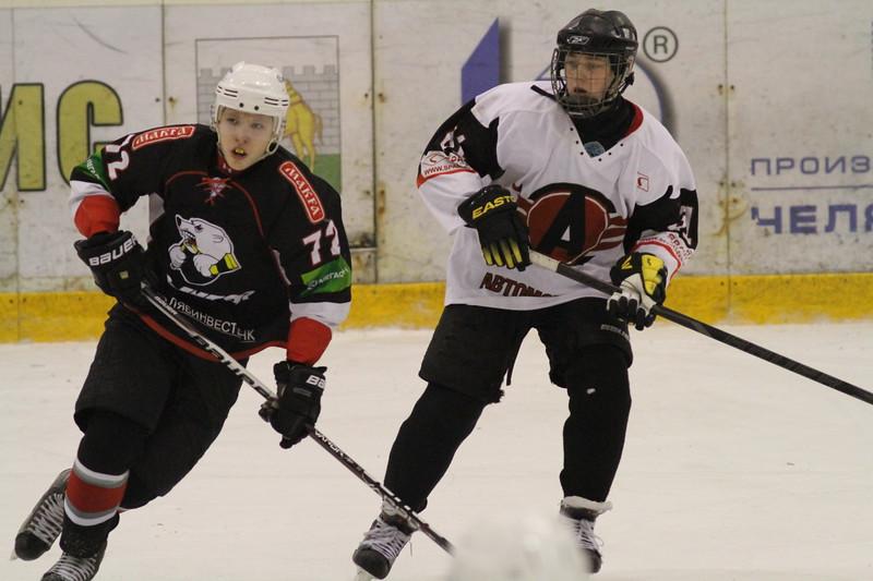 В первенстве Юниорской хоккейной лиги команда Трактор разгромила екатеринбургский Автомобилист со счетом 13:0.