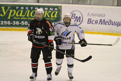 В первенстве Юниорской хоккейной лиги челябинский Трактор выиграл в повторном матче у Мечела со счетом 8:2.