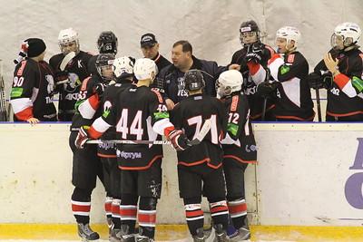 Главный тренер команды Трактор Юниорской хоккейной лиги Станислав Шадрин прокомментировал в интервью 74hockey.ru матчи своей команды против Нефтяника из Сургута