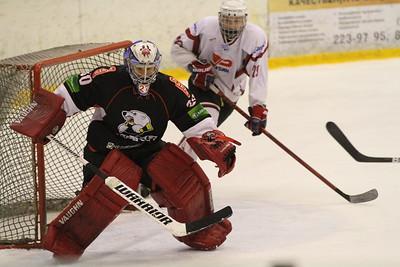 В первенстве Юниорской хоккейной лиги челябинский Трактор обыграл в заключительном матче регулярного сезона тюменский Рубин со счетом 7:3