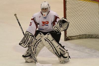 8 марта в первенстве Юниорской хоккейной лиги состоялись три матча