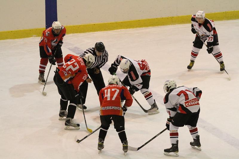 В первенстве Юниорской хоккейной лиги команда Трактор обыграла челябинский Сигнал со счетом 10:2