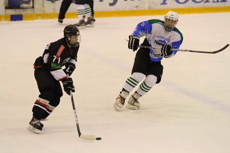 В матче первенства Юниорской хоккейной лиги челябинский Трактор разгромил нефтекамский Торос со счетом 12:1