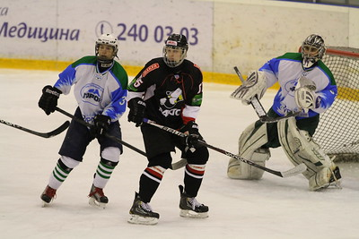 В первенстве Юниорской хоккейной лиги челябинский Трактор выиграл у нефтекамского Тороса со счетом 6:5