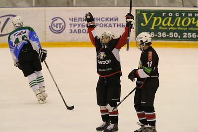 Первенство России среди команд Юниорской Хоккейной Лиги до 18 лет. Результаты игрю 27 октября 2013