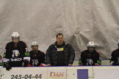 Челябинский Трактор провел свой второй матч на групповом этапе финала первенства Юниорской хоккейной лиги в Тольятти.