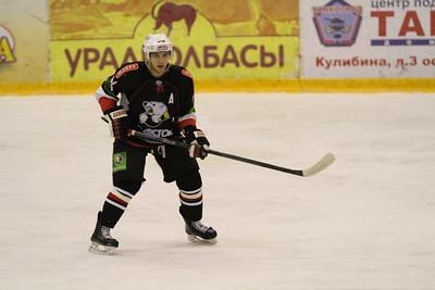 В первенстве Юниорской хоккейной лиги челябинский Трактор у себя дома четыре раза подряд выиграл у Астаны.