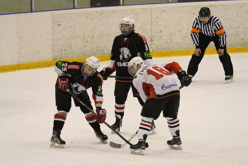Челябинский Трактор выиграл со счётом 2:1 у омских Ястребов в матче Первенства Юниорской хоккейной лиги.