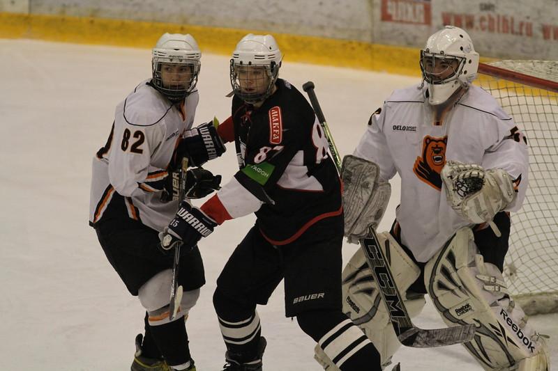 Команда Трактор выиграла у себя дома у пермского Молота со счётом 5:1 в матче первенства Юниорской хоккейной лиги.