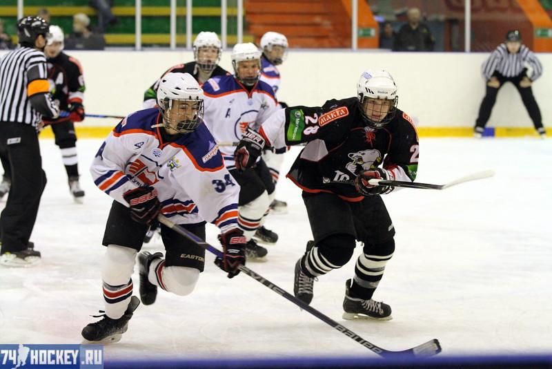 """Команда """"Трактор"""" обыграла у себя дома тюменский """"Рубин"""" со счётом 5:3 в матче Юниорской хоккейной лиги."""
