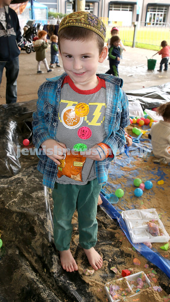 UIA Young Families fair at The Entertainment Quarter. Elchanan Kucher.