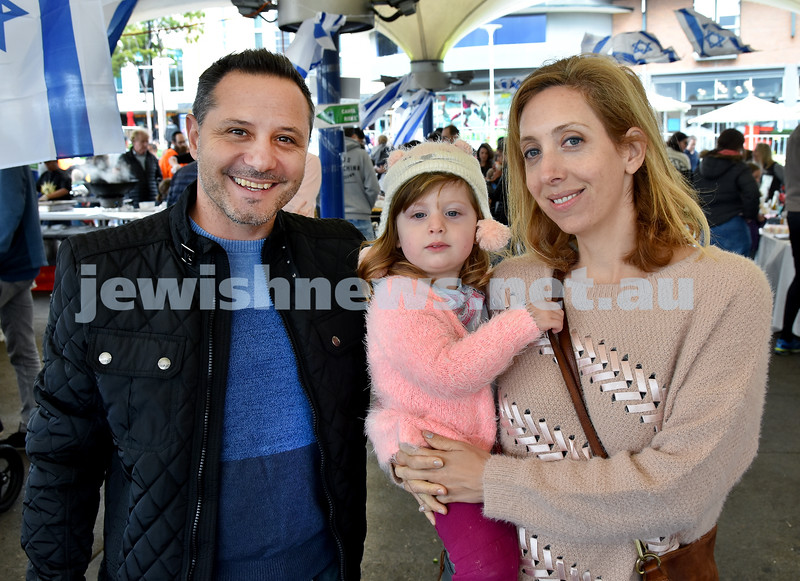 "UIA Young Families ""A Day In Jerusalem"" function. Lior, Noa, Anna Segre. Pic Noel Kessel"