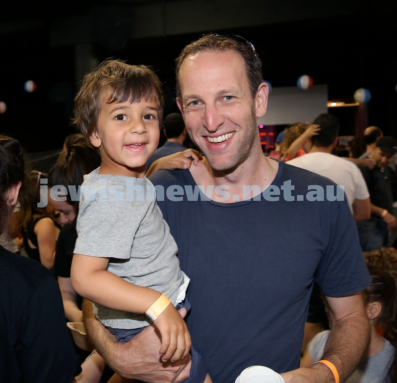 UIA Young Families Israeli Summer Days at The Venue. Ravi and Michael Keller. Pic Noel Kessel
