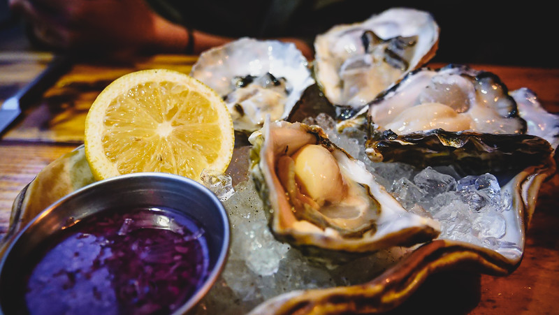 Another stop on our Glasgow foodie itinerary was The Finnieston for gin and oysters