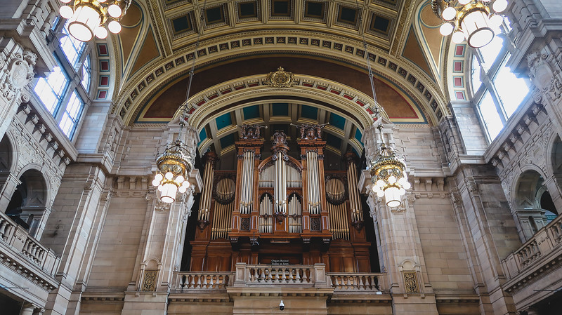 The Kelvingrove Art Gallery and Museum holds organ concerts