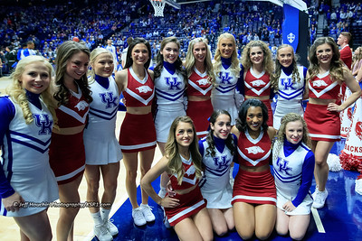 @kentuckycheer At least the cheerleaders get along.