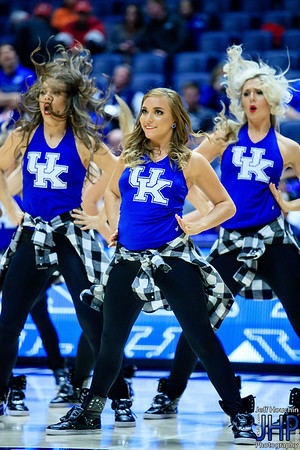 @nickihenlein leading the way. @ukdanceteam