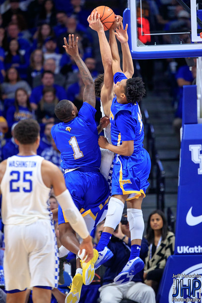 IMAGE: https://photos.smugmug.com/UK-Athletics/Mens-Basketball/2017-2018/UK-vs-Morehead-2017/i-LKC87R6/1/48d2246b/L/A87I7304-L.jpg