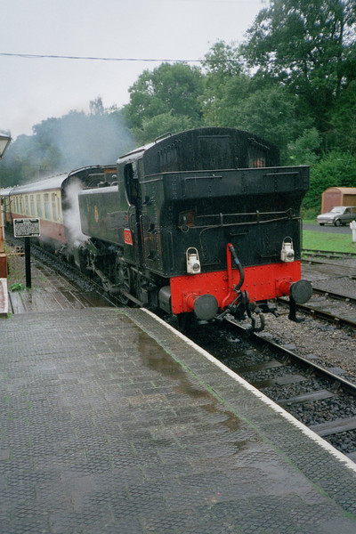 GWR Pannier entering Highley platform