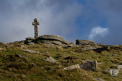 Widgery Cross, Brat Tor